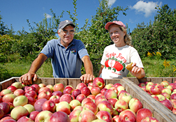 Maine Commercial & Agricultural Photography - Maine Apple Farmers